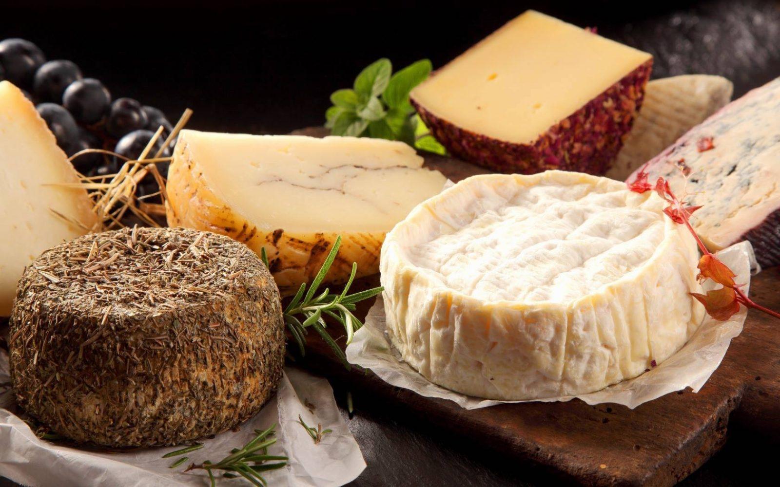 фотография сыров в сыроварне Годунов